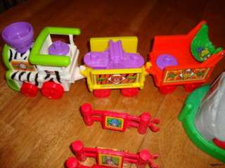 FISHER PRICE LITTLE PEOPLE ANIMAL ZOO AND SAFARI TRAIN