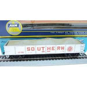 AHM HO Scale Southern Gondola #1246 with Gravel Load Toys