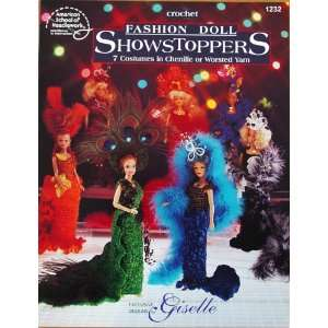 Crochet Fashion Doll Showstoppers, 7 Cosyumes in Chenille