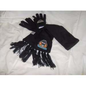 Hello Kitty Badtz Maru Boys Knitted Scarf and Gloves
