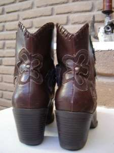 SUPER CUTE Womens Cowboy Boots w/Purple Flowers size 8