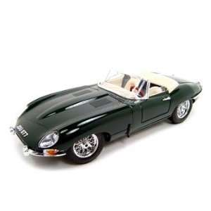 1961 Jaguar E Type Green 118 Diecast Model Toys & Games