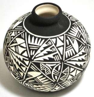 Acoma Pueblo Etched Round Vase Pottery   Jae