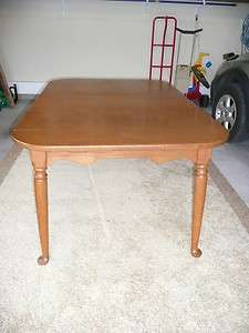 Vintage Ethan Allen solid maple dining table 2 leaves shipping