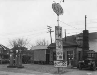 15PHOTOGRAPHS OF ANTIQUE GAS STATIONS/TRUCKS   ALL FOR ONE MONEY   #2
