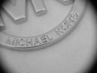 Upgrade your purse with a new and beautiful Michael Kors hang tag