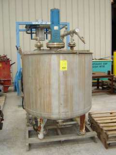200 GALLON STAINLESS STEEL MIX TANK AND PUMP