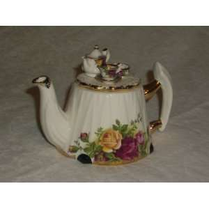 Royal Albert Old Country Roses China Teapot w/Tea Set