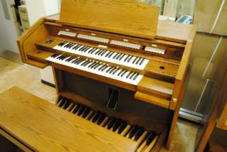 ALLEN CHURCH ORGAN 32 Pedal model 424