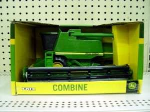 John Deere 128 Scale Toy Combine 9000 Series