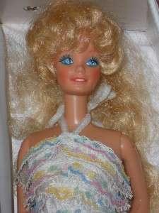 VINTAGE 1960s 1970s BARBIE MIXED LOT   2 DOLLS CASE CLOTHES