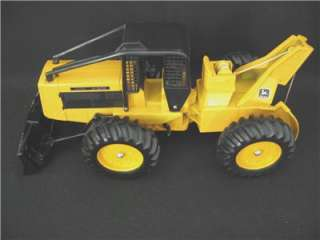 John Deere Ertl # 590 Log Skidder 1970s 1:16 Scale