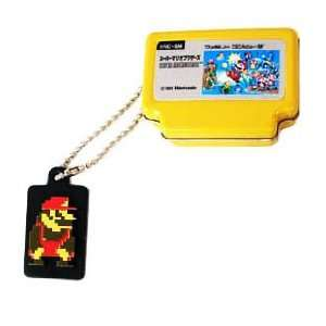 Super Mario & Famicom Keychain / Tin   Yellow Tin   Big Mario