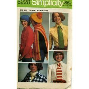 Simplicity Pattern Womens Beret, Scarf, Tie and Dickey